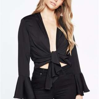 BARDOT • Tie Front Top • Size 6