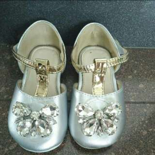 Cute Butterfly shoes by TreeHouse