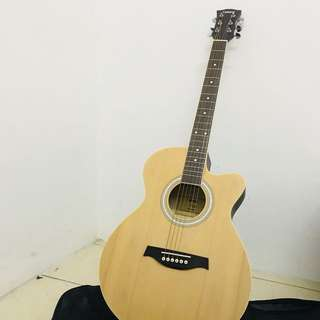YAMAHA F100 Guitar Made In Japan