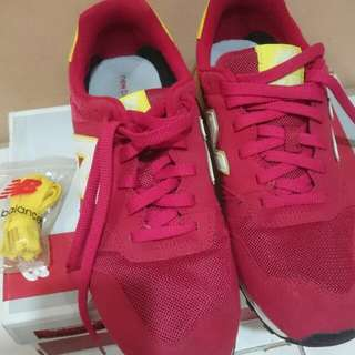 Sepatu new balance 373 red