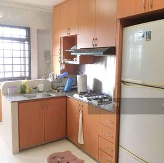Looking for female Malaysian roommate to share common room. Modern design, clean and spacious. 10min walk to Sembawang MRT, available starting from 23rd Dec.