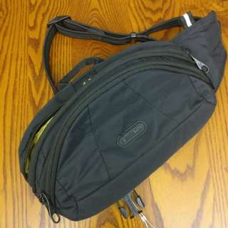 PacSafe Metrosafe Hip Bag