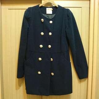 深藍色雙排扣大衣外套