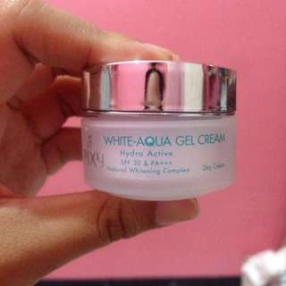 Pixy Day and Night Aqua Gel Cream