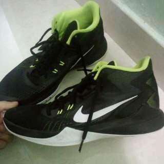 高筒 籃球鞋