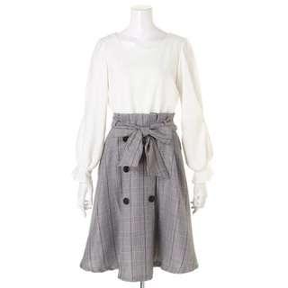 ✨全新✨日貨Yabbi 日牌Luxe Rose 氣質款袖子薄紗上衣x排扣格紋裙子假兩件式洋裝 米白x灰格