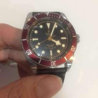 Tudor black bay rose logo 79022r 41mm