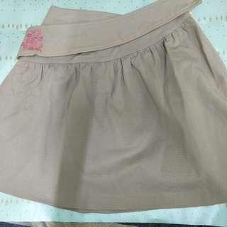 專櫃造型膝上裙