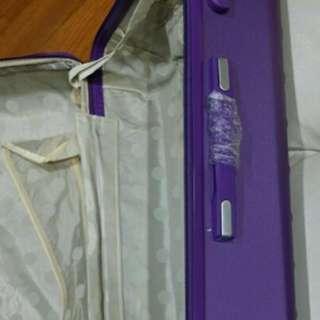全新28吋可伸展旅行箱喼紫色