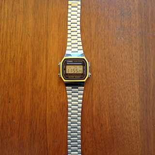 Casio Men's Digital Retro Watch Silver
