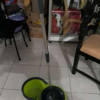 Mop cleansing