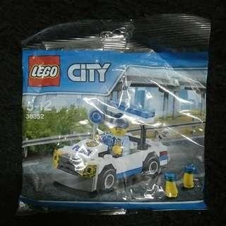LEGO CITY  30352  LEGO CITY  30350 LEGO NEXO 30371