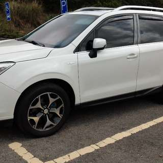 Subaru Forester XT-P(珍珠白)