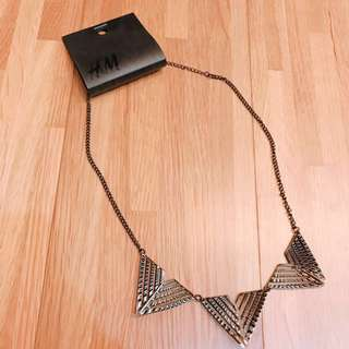 H&M 鐵三角鏤空立體雕刻項鍊 #舊愛換新歡