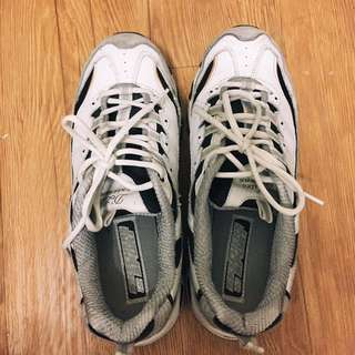 skechers d-lite 白金 運動鞋