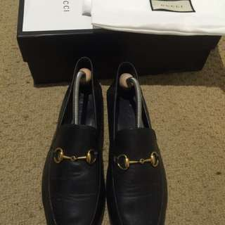 Gucci loafer flats size 39