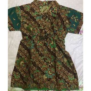 batik shirt for women. Got stretchable band on the waist!!