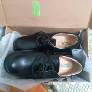 黑皮鞋 dawel 45碼