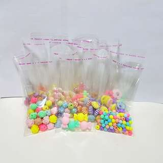 Beads:can be used for slime or to make necklaces