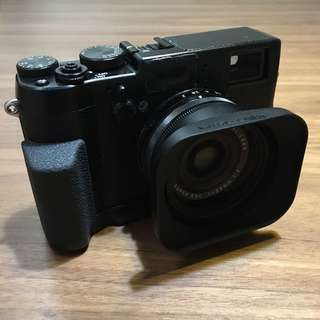 Fujifilm X100T + JJC rectangle Lens Hood