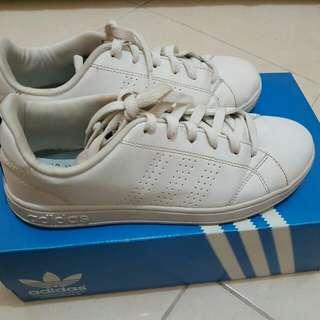 Adidas white neo shoes