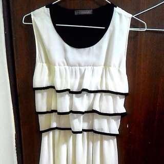 👉Audrey Ann米白色無袖洋裝