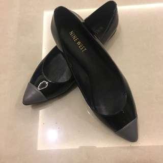 🚚 NINE WEST 黑色平底鞋/漆皮/尖頭