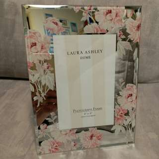 "Brand: Laura Ashley Home -Photograph Frame 4"" x 6"" (10cm x 15cm approx)"