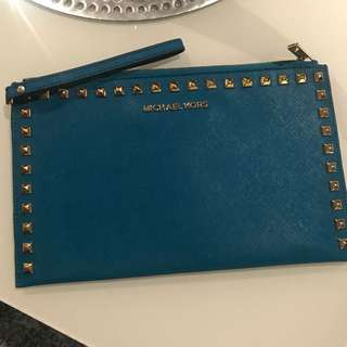 BNEW AUTH MICHAEL KORS BLUE LEATHER CLUTCH POUCH BAG