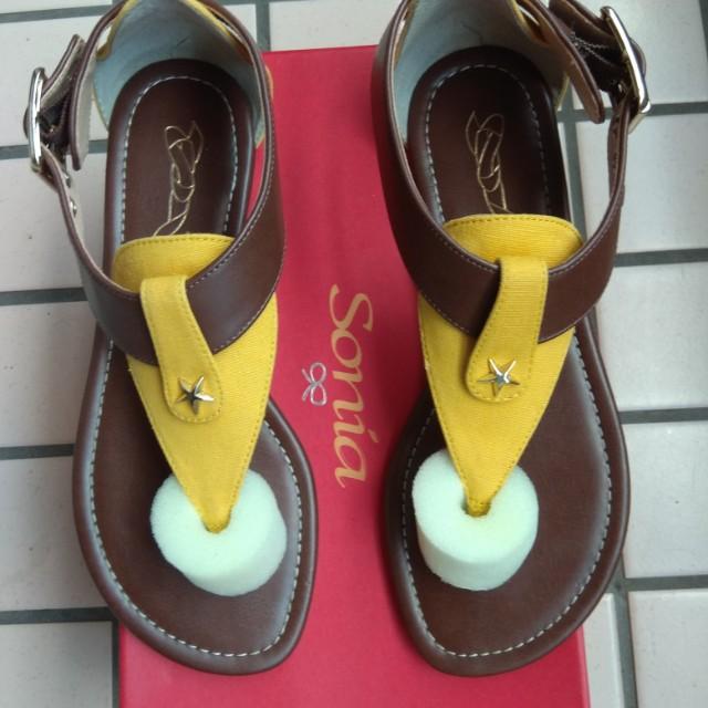 八九成新專櫃皮鞋
