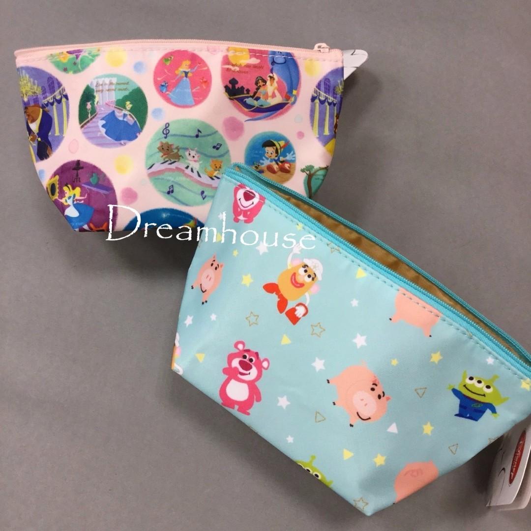 東京迪士尼 玩具總動員 小美人魚彼得潘灰姑娘美女與野獸愛麗絲 防潑水 化妝包 萬用包