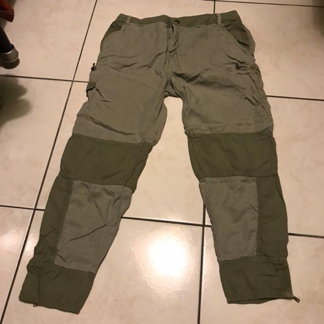 口袋很多不怕沒口袋 軍綠色 Zara 長褲 金屬
