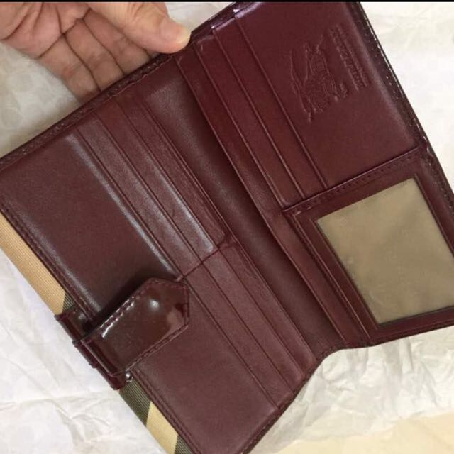 💯 Authentic Burberry Wallet