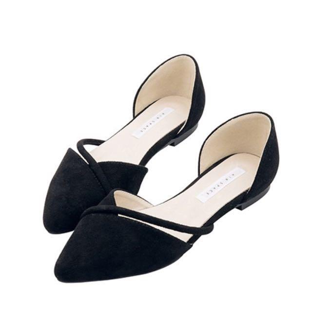 Air space斜口鏤空繫帶尖頭平底鞋