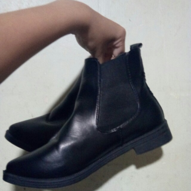 RUSH!!! Black Ankle Boots