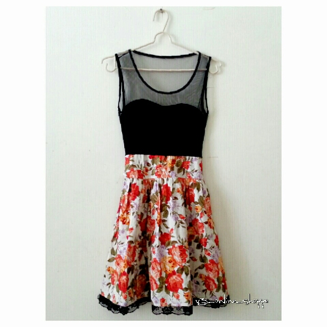 Black Sleeveless Floral Lacy Dress