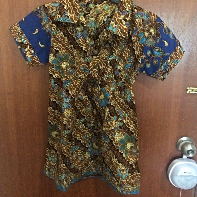 BNWOT BRAND NEW Batik Shirt for WOMEN