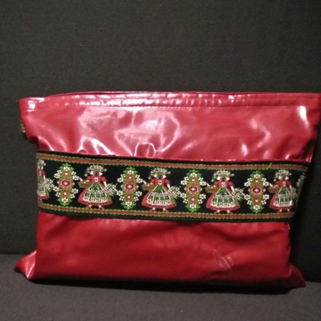 Christmas pouch (Japan)