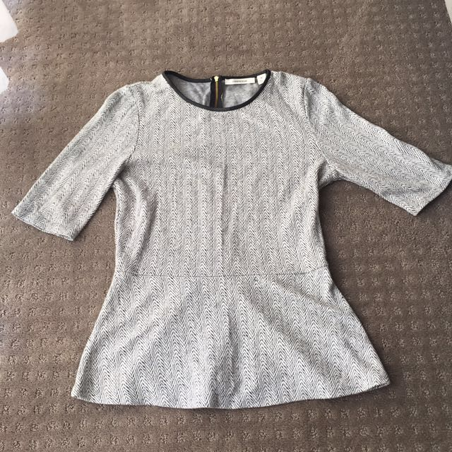 Country Road Top With Gold Zip And Leather Neck Line