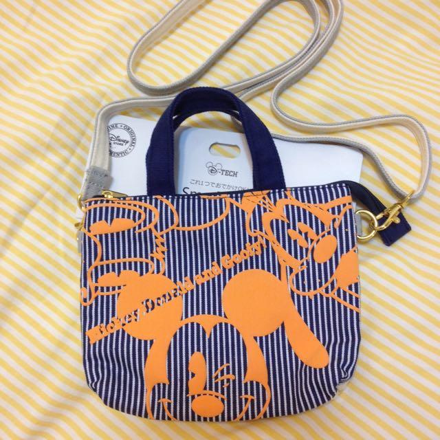 正貨【全新】Disney 迪士尼 螢幕觸控 小袋 手提袋 揹袋 護照袋 米奇 高飛