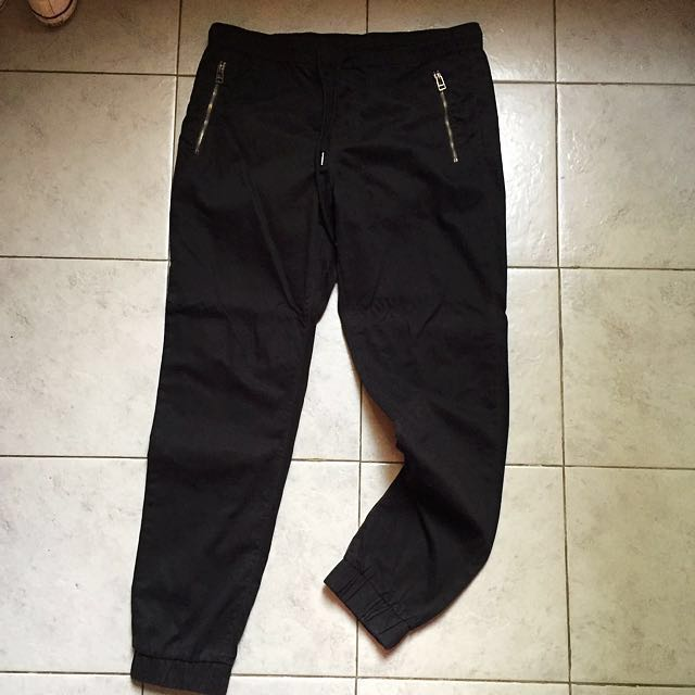 Forever 21 Men Black Jogger Pants REPRICED ‼️