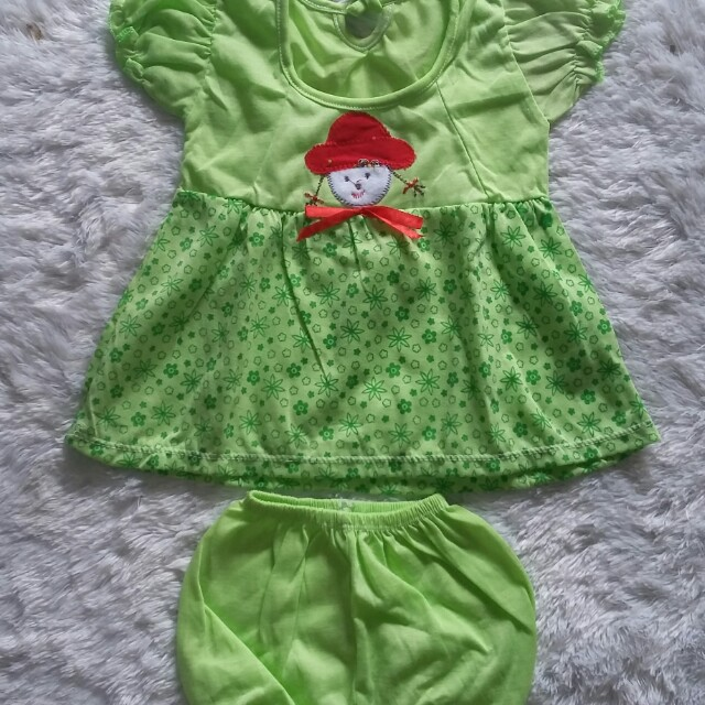 Green set dress
