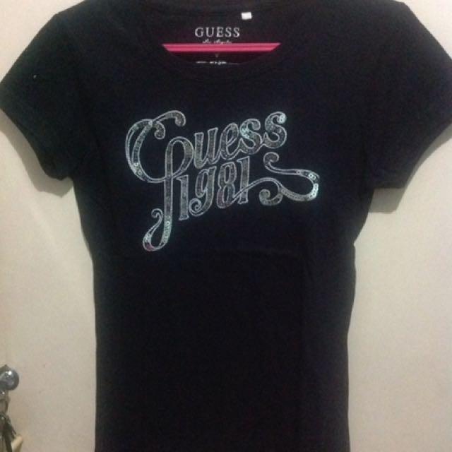 Guess - Black shirt