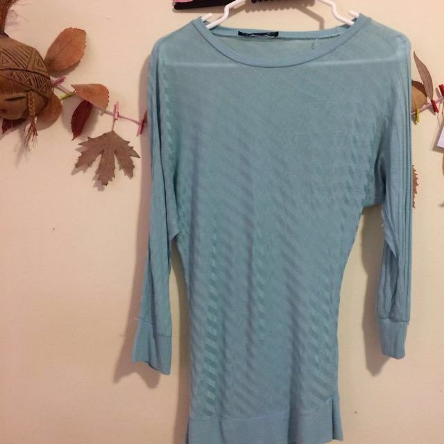 Helly baby blue bat sleeves blouse