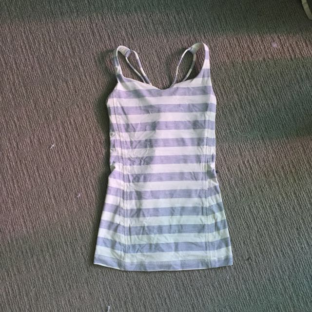Lululemon yoga top 2