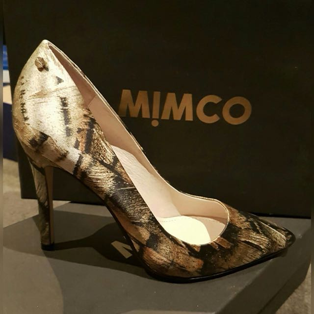 MIMCO Khaki Red Carpet Pumps