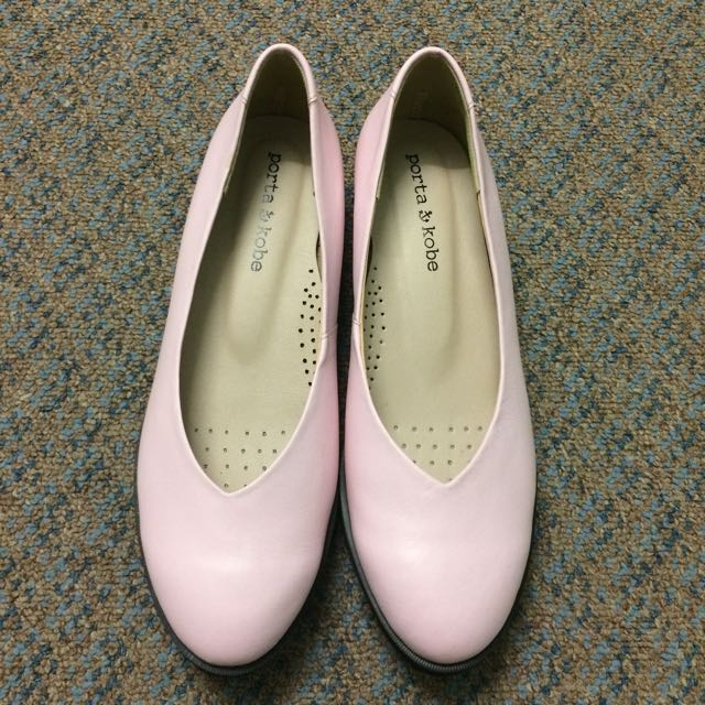 New pink shoes size 6.5/7