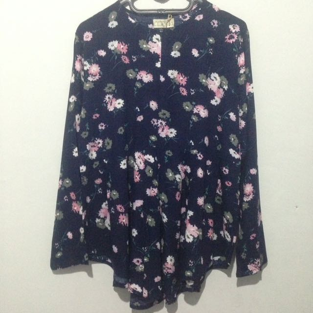 New WearingKlamby Blouse Size L
