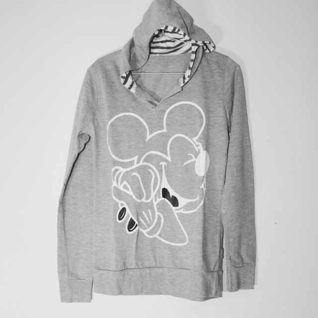 Outer mickeymouse