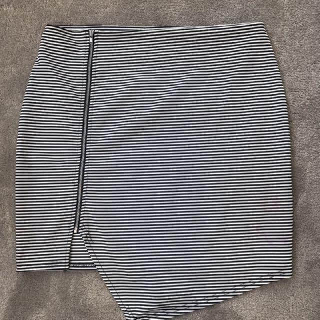 Paint it red striped mini skirt